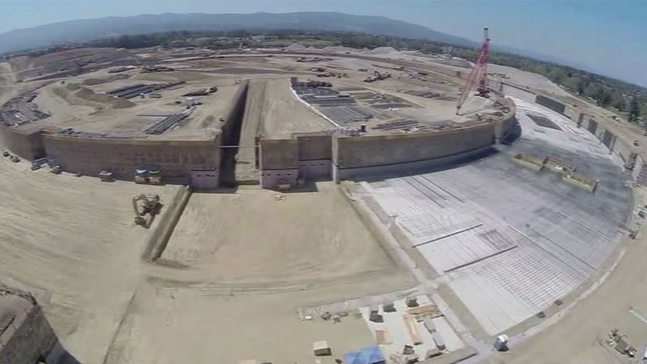 New apple office cupertino City Footage From Drone Shows Construction Of New Apple Campus Abc13 Houston Drone Flight Captures Footage Of Construction Of Apples Second