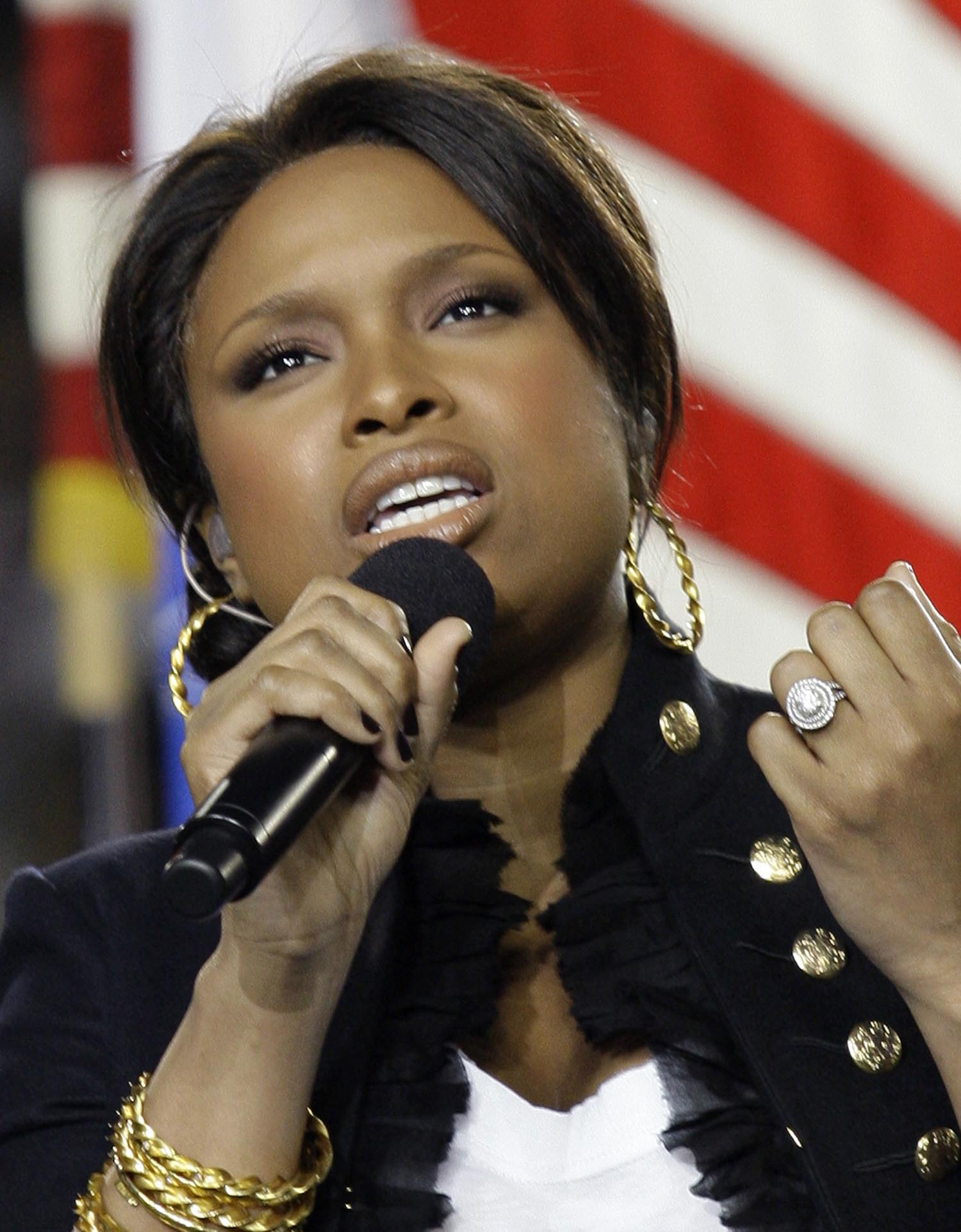 "<div class=""meta image-caption""><div class=""origin-logo origin-image ap""><span>AP</span></div><span class=""caption-text"">2009: Jennifer Hudson sings the national anthem before the the NFL Super Bowl XLIII football game between the Arizona Cardinals and the Pittsburgh Steelers, Sunday, Feb. 1, 2009. (AP Photo/David J. Phillip)</span></div>"