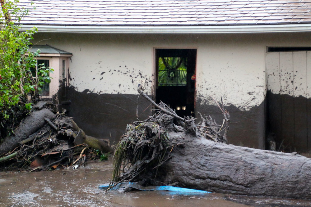 "<div class=""meta image-caption""><div class=""origin-logo origin-image none""><span>none</span></div><span class=""caption-text"">Heavy rainfall in areas affected by the Thomas Fire have caused flooding and mudflows in Montecito. (Santa Barbara Urban Hikers/Facebook)</span></div>"