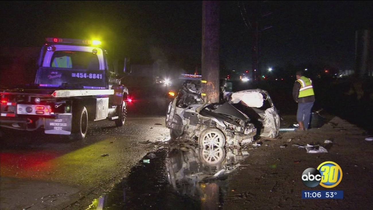 18-year-old killed after his car hits a power pole in Fresno County
