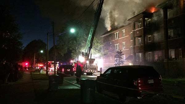 Oak Park extra-alarm fire displaces dozens of residents ...