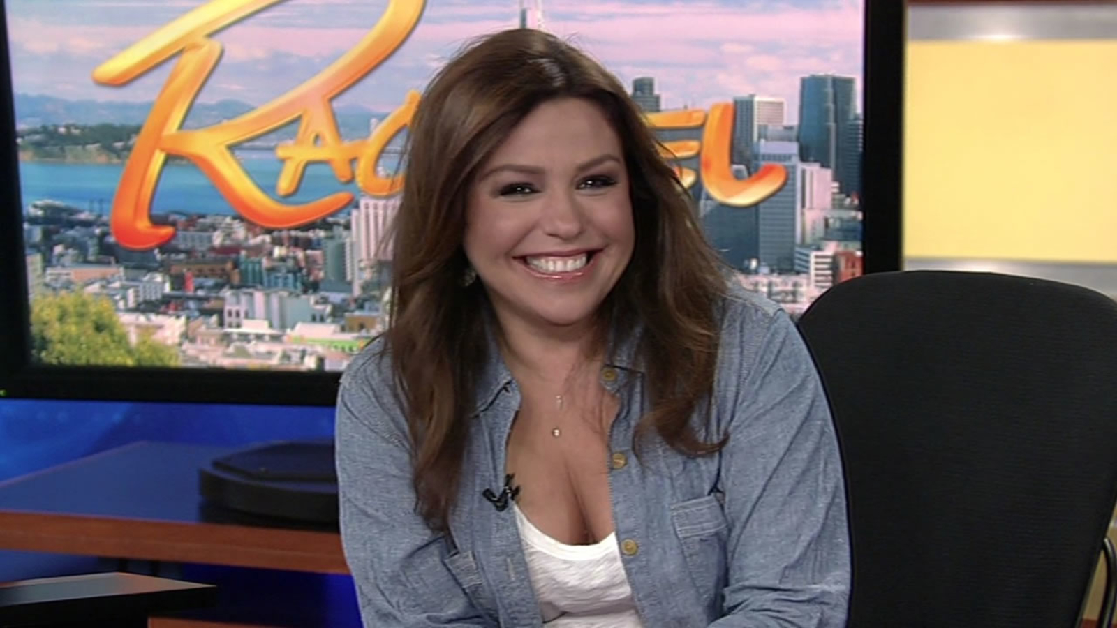 Rachael Ray stops by to celebrate move to ABC7