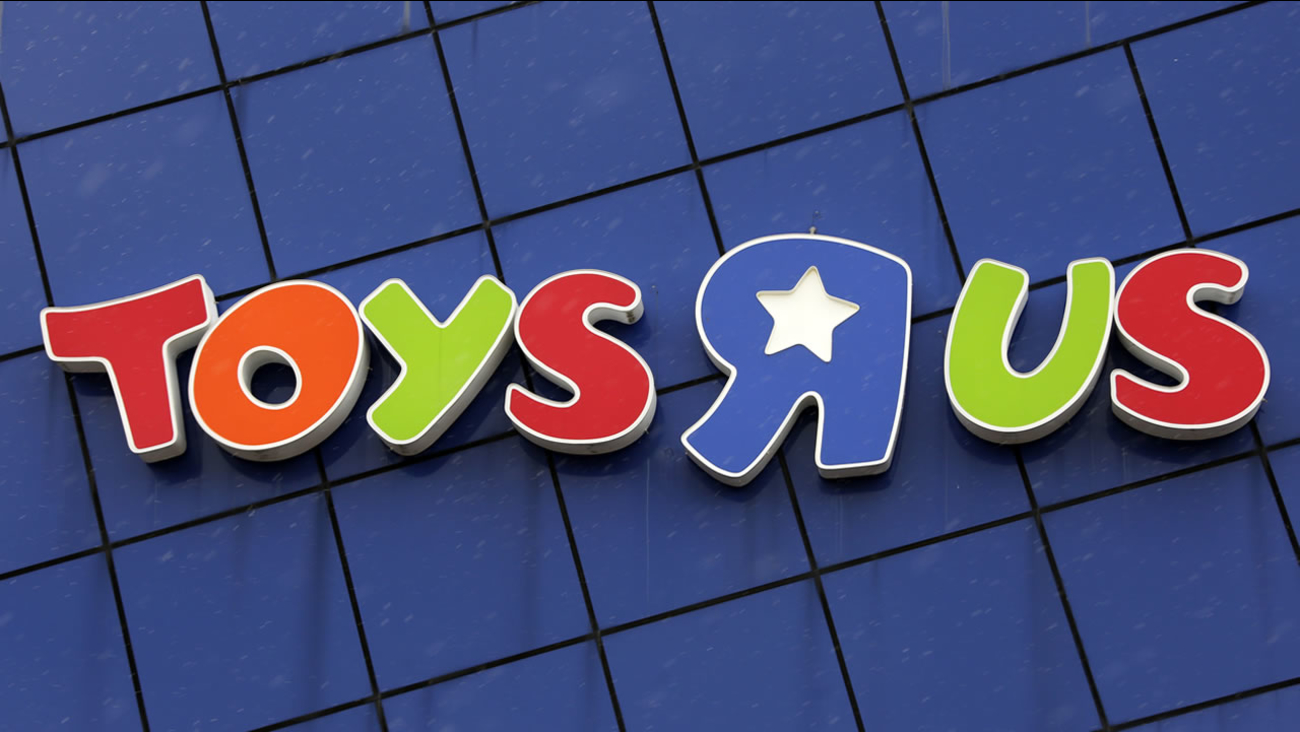 Man Asks Toys R Us Employee To Watch Baby Doesn T Return Abc11 Com