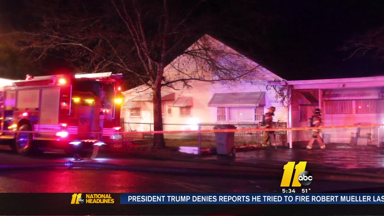 1 killed in Fayetteville house fire