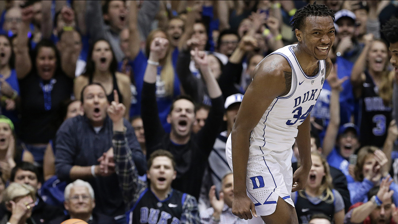 Bouncing back from a weekend loss to No. 2 Virginia, Wendell Carter Jr. and the Blue Devils fans were all smiles Monday against Notre Dame.