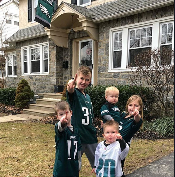 "<div class=""meta image-caption""><div class=""origin-logo origin-image wpvi""><span>WPVI</span></div><span class=""caption-text"">My bird gang. EAGLES! - From nicolec8223 on Instagram.</span></div>"