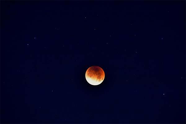 <div class='meta'><div class='origin-logo' data-origin='none'></div><span class='caption-text' data-credit='Lucky Nunez'>ABC7 viewer Lucky Nunez shared this photo of the super blue blood moon on Wednesday, Jan. 31, 2018.</span></div>