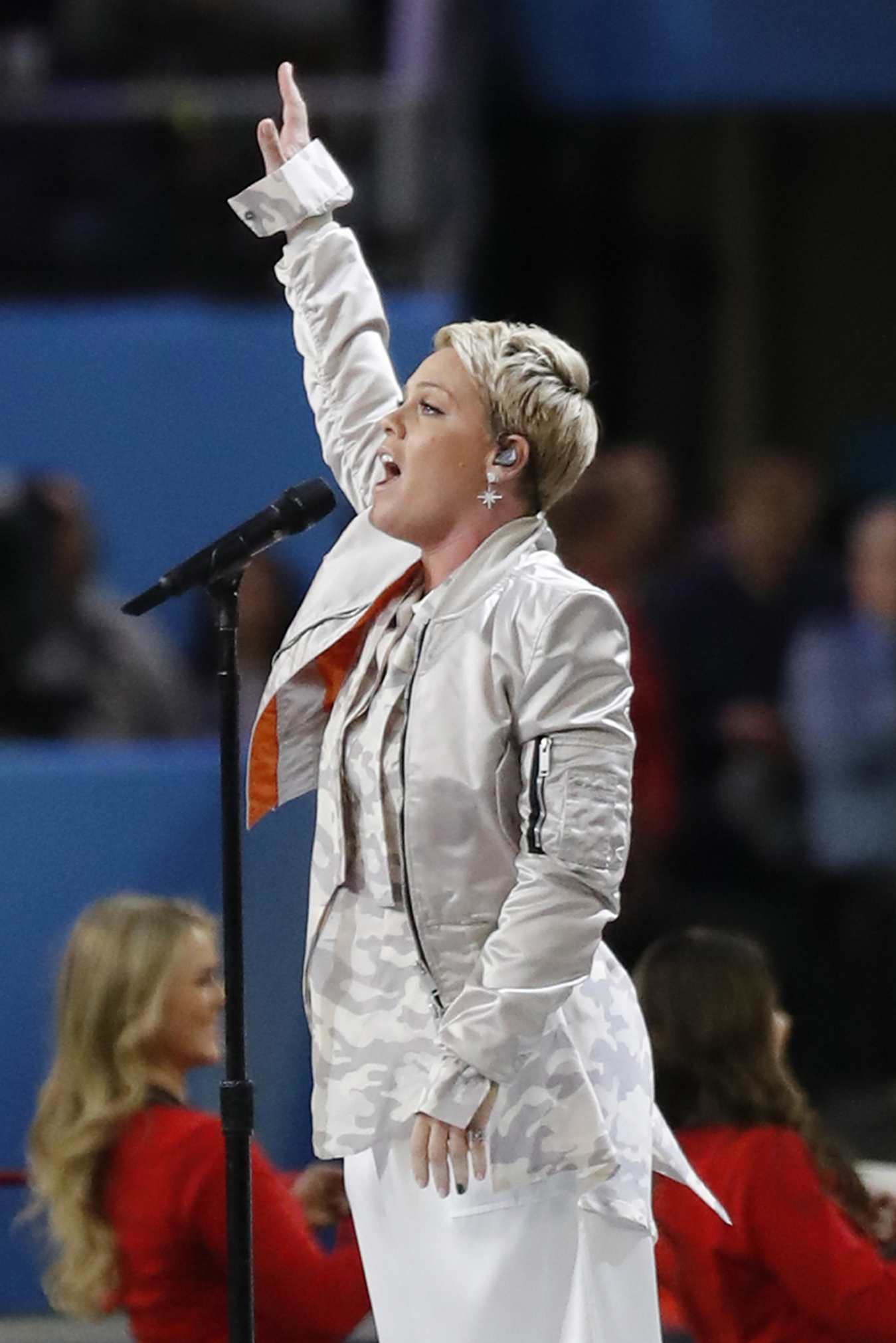 "<div class=""meta image-caption""><div class=""origin-logo origin-image ap""><span>AP</span></div><span class=""caption-text"">Pink performs the National Anthem, before the NFL Super Bowl 52 football game between the Philadelphia Eagles and the New England Patriots, Sunday, Feb. 4, 2018, in Minneapolis. ((AP Photo/Tony Gutierrez))</span></div>"