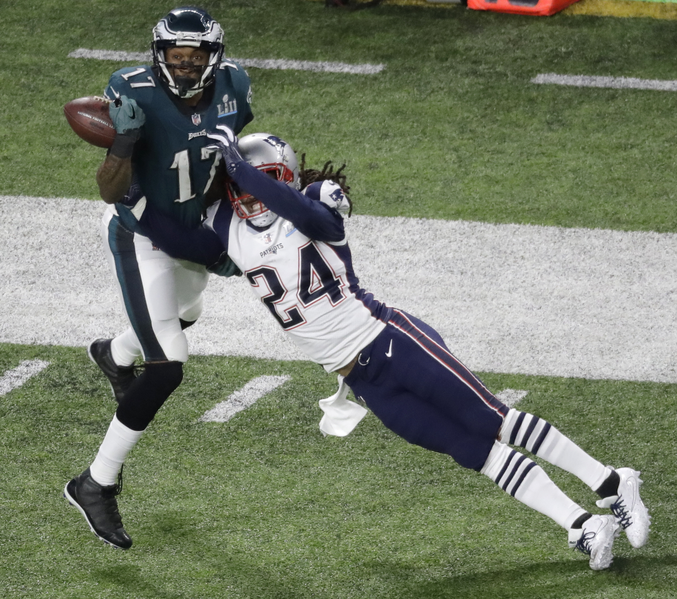<div class='meta'><div class='origin-logo' data-origin='AP'></div><span class='caption-text' data-credit='AP Photo/Eric Gay'>New England Patriots cornerback Stephon Gilmore (24) breaks up a pass intended for Philadelphia Eagles wide receiver Alshon Jeffery.</span></div>