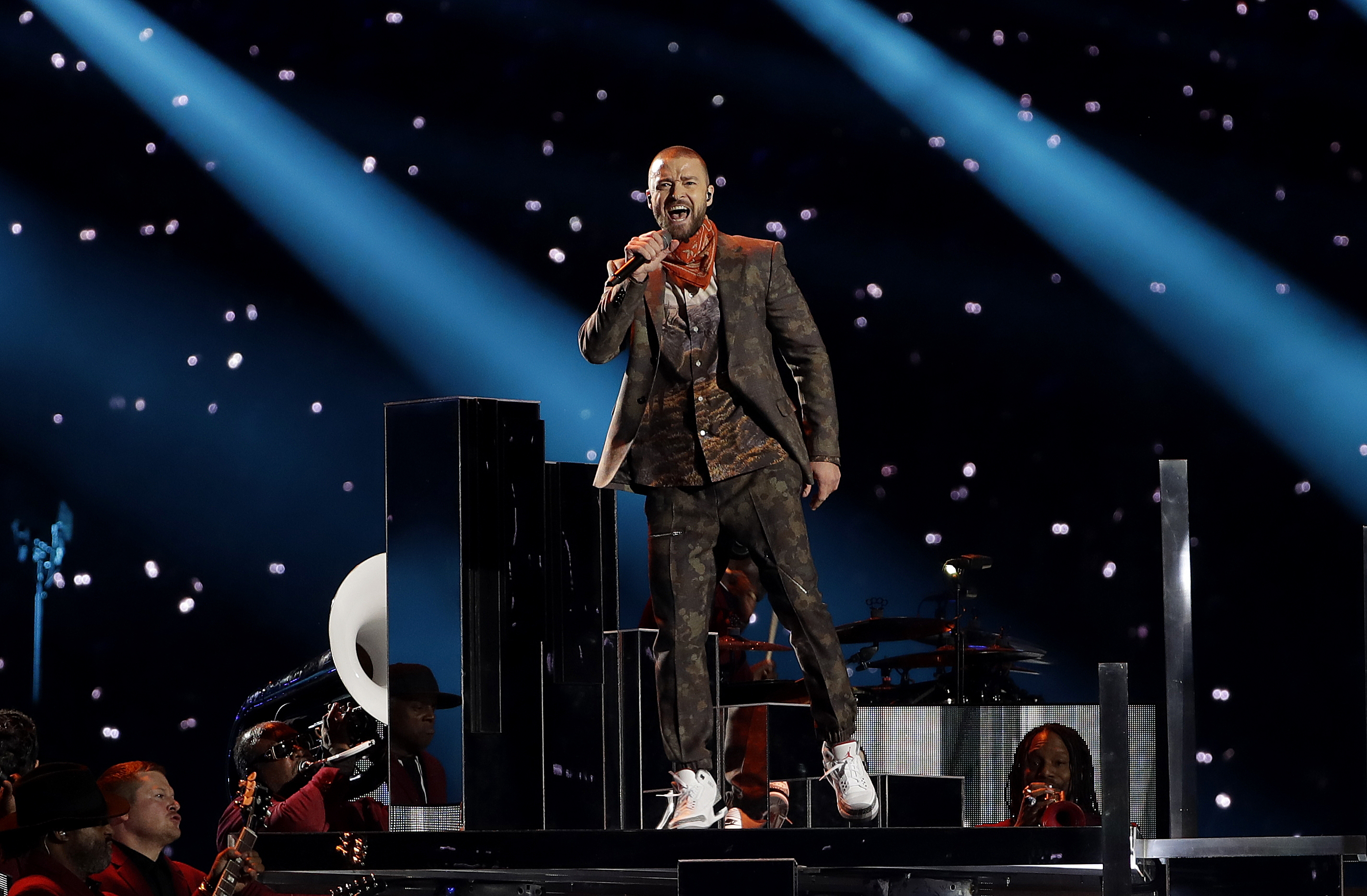 "<div class=""meta image-caption""><div class=""origin-logo origin-image ap""><span>AP</span></div><span class=""caption-text"">Justin Timberlake performs during halftime of the NFL Super Bowl 52 football game between the Philadelphia Eagles and the New England Patriots, Sunday, Feb. 4, 2018. (AP Photo/Matt Slocum)</span></div>"