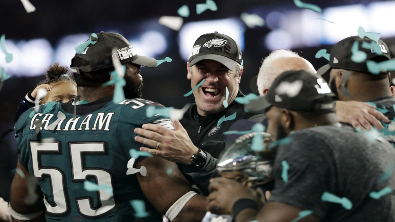 newest 117a8 dcf60 Philadelphia Eagles beat New England Patriots 41-33 in Super ...