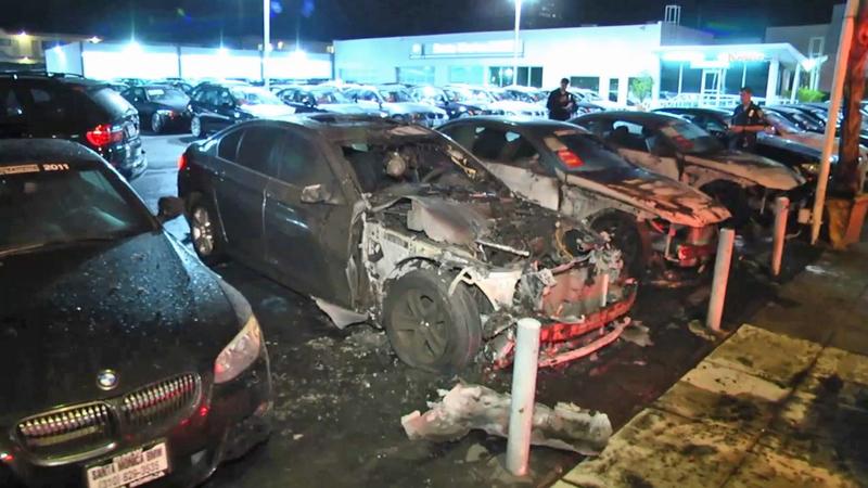 Cars Set On Fire At Santa Monica Bmw Dealership Abc7 Los Angeles