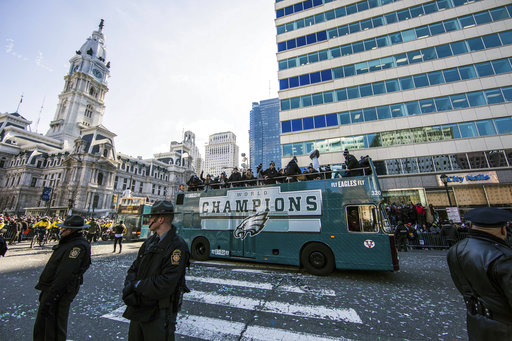 "<div class=""meta image-caption""><div class=""origin-logo origin-image ap""><span>AP</span></div><span class=""caption-text"">The Philadelphia Eagles Super Bowl victory parade passes Philadelphia City Hall, Thursday, Feb. 8, 2018, in Philadelphia. (AP Photo/Christopher Szagola) (AP)</span></div>"
