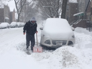 <div class='meta'><div class='origin-logo' data-origin='WLS'></div><span class='caption-text' data-credit='Sarah Schulte'>Snow in Bridgeport</span></div>