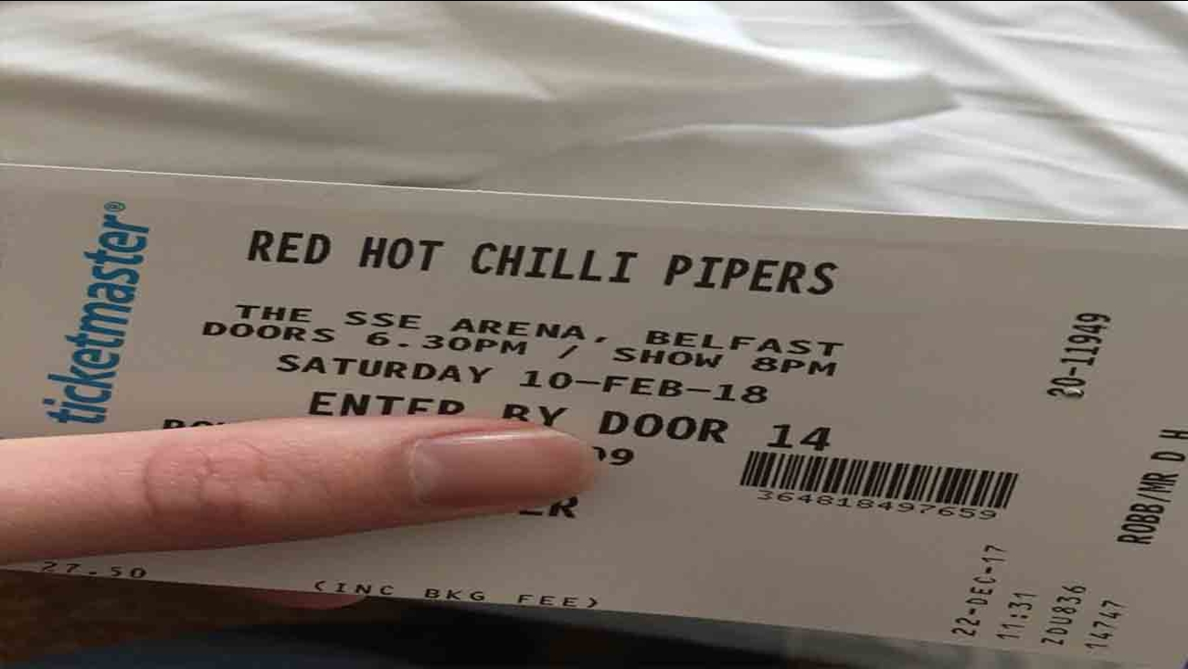 Man buys girlfriend tickets to see the Red Hot Chili Pipers