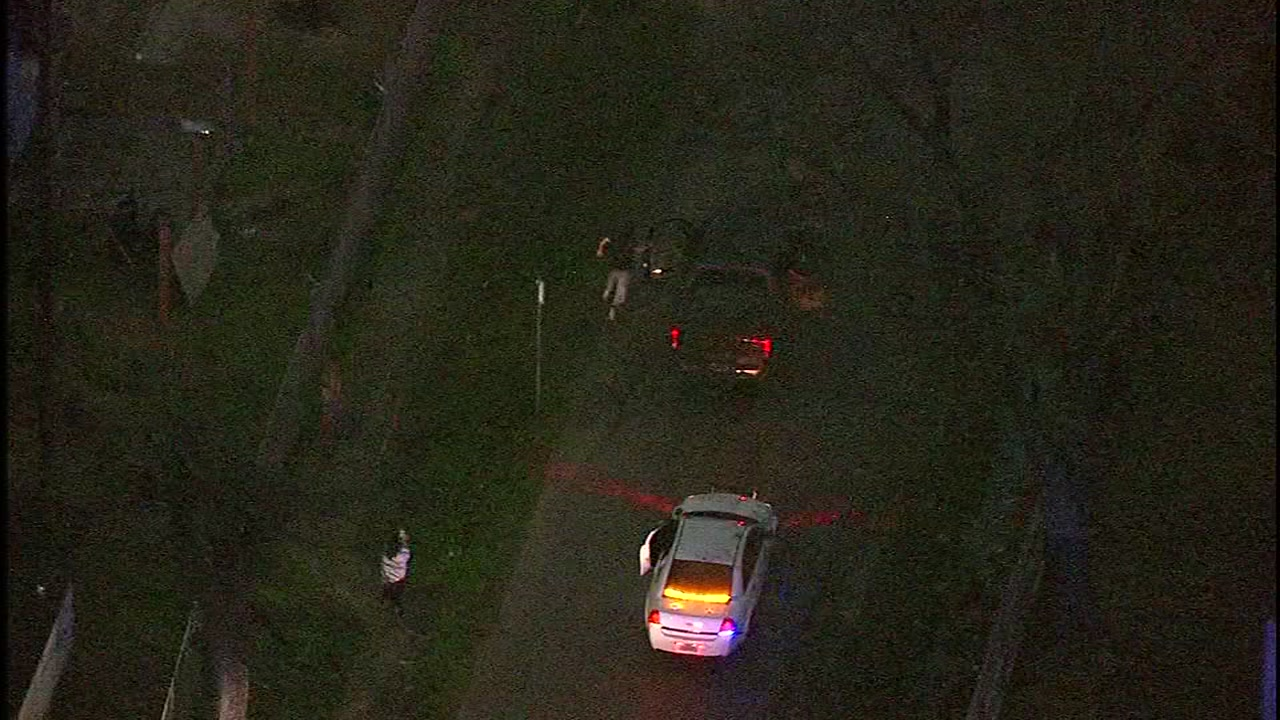 <div class='meta'><div class='origin-logo' data-origin='KTRK'></div><span class='caption-text' data-credit=''>Skyeye 13 captures a pursuit involving suspects in a pickup truck in east Houston on Feb. 16, 2018.</span></div>