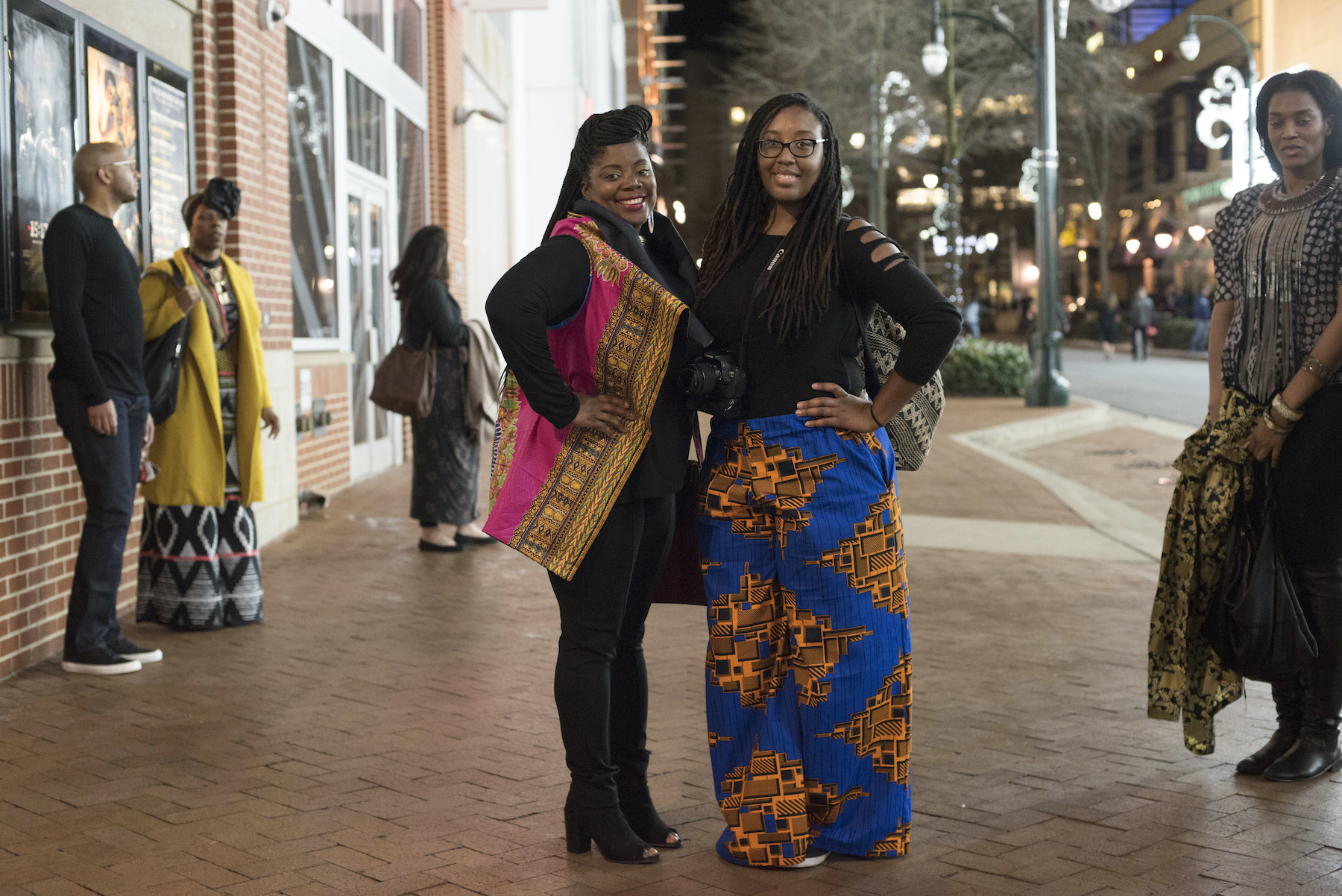 "<div class=""meta image-caption""><div class=""origin-logo origin-image ap""><span>AP</span></div><span class=""caption-text"">Simone Wiliams, left, and Chanel Jaali, dressed in Wakanda-inspired attire, pose for a portrait before seeing Black Panther in Silver Spring, Md., Thursday, Feb. 15, 2018. (AP Photo/Sait Serkan Gurbuz)</span></div>"