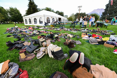 "<div class=""meta image-caption""><div class=""origin-logo origin-image ""><span></span></div><span class=""caption-text"">Weed residents are making donations to help families who lost everything in the Boles Fire. (Wayne Freedman)</span></div>"
