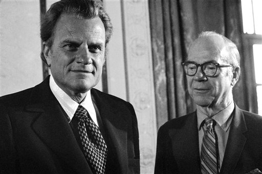 "<div class=""meta image-caption""><div class=""origin-logo origin-image ap""><span>AP</span></div><span class=""caption-text"">Billy Graham at Philadelphia conference of Southern Baptist in June 1972. Man at right unidentified. (AP)</span></div>"