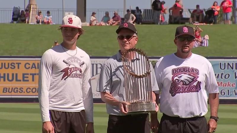 37d545d9b467f0 Astros meet Stoneman Douglas baseball team at spring training ...