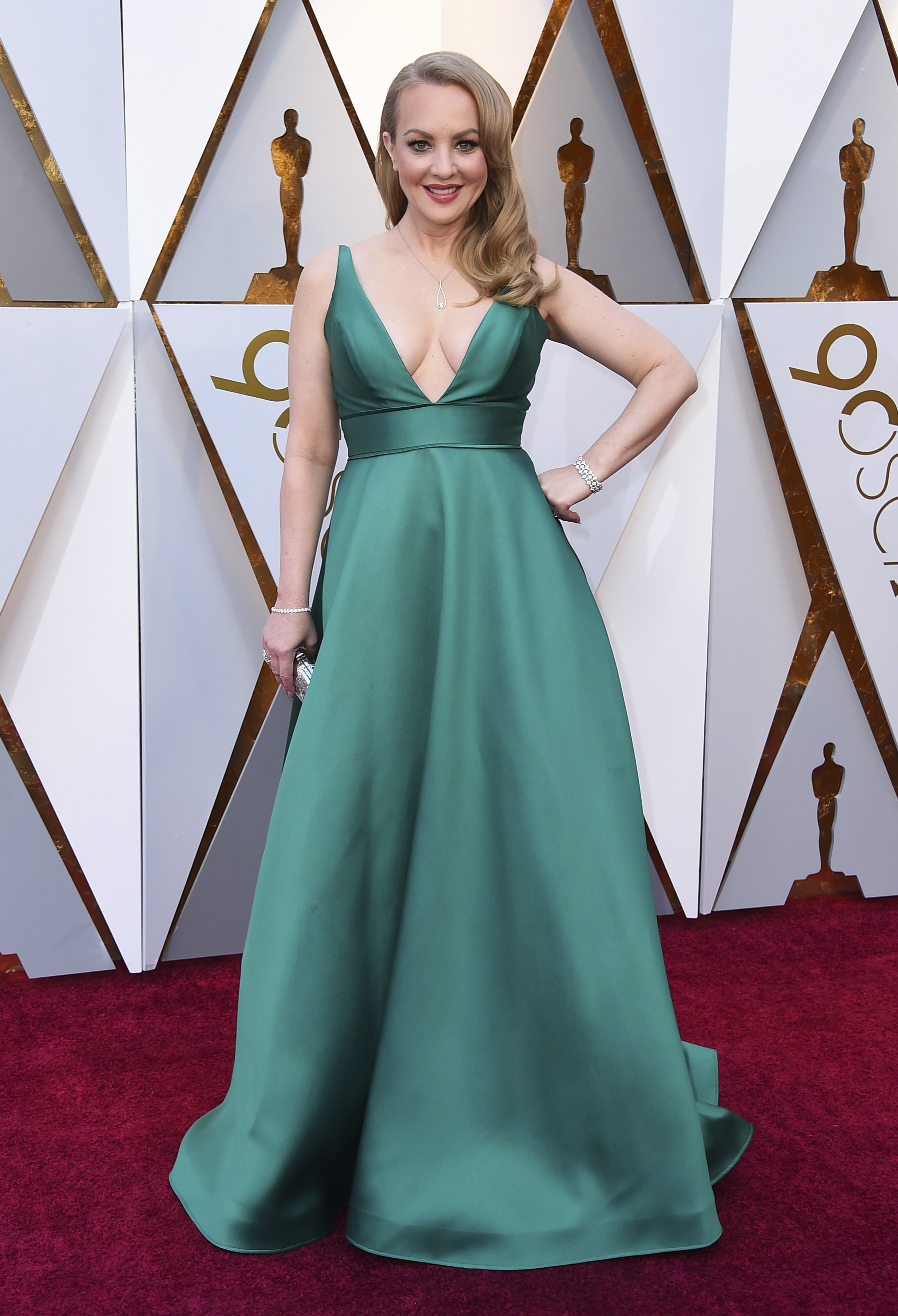 <div class='meta'><div class='origin-logo' data-origin='none'></div><span class='caption-text' data-credit='Jordan Strauss/Invision/AP'>Wendi McLendon-Covey arrives at the Oscars on Sunday, March 4, 2018, at the Dolby Theatre in Los Angeles.</span></div>