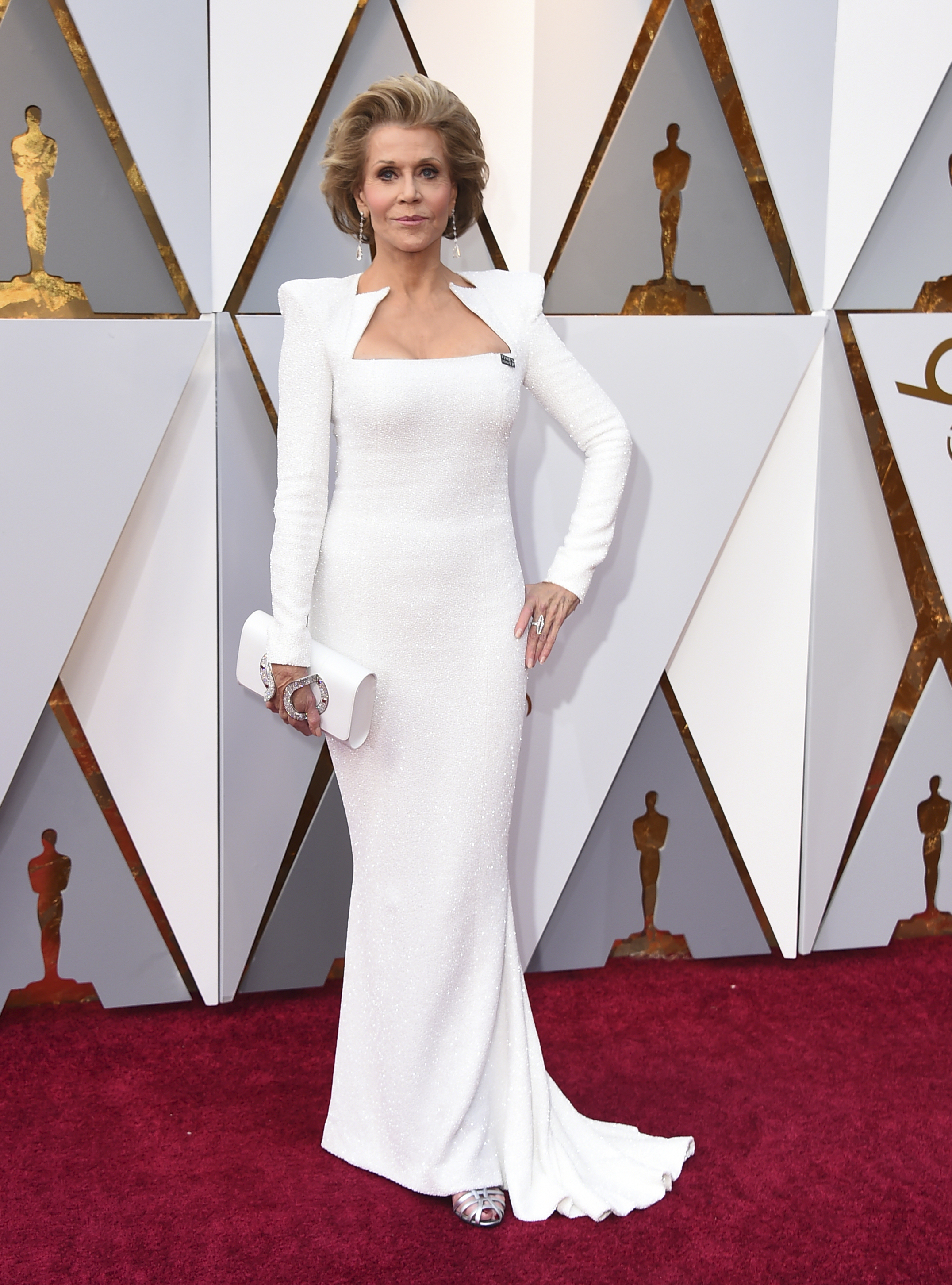 <div class='meta'><div class='origin-logo' data-origin='none'></div><span class='caption-text' data-credit='Jordan Strauss/Invision/AP'>Jane Fonda arrives at the Oscars on Sunday, March 4, 2018, at the Dolby Theatre in Los Angeles.</span></div>