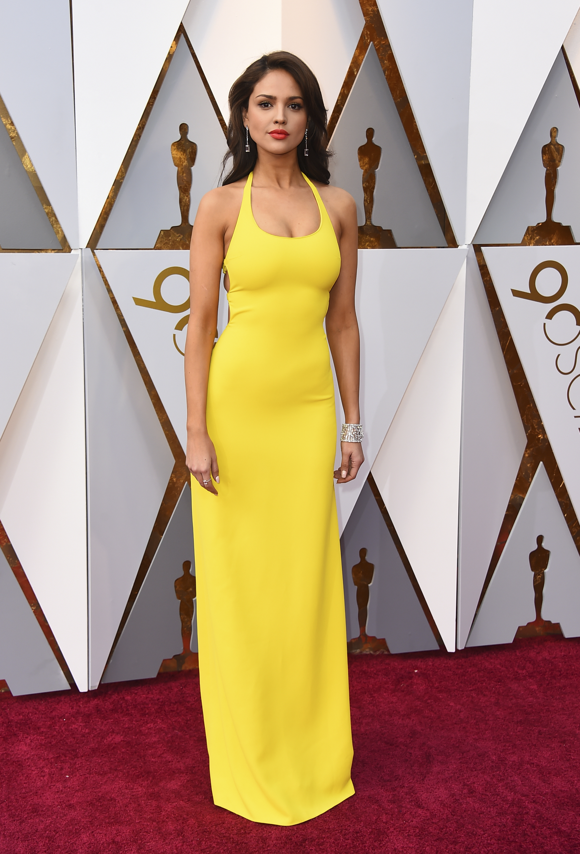 <div class='meta'><div class='origin-logo' data-origin='none'></div><span class='caption-text' data-credit='Jordan Strauss/Invision/AP'>Eiza Gonzalez arrives at the Oscars on Sunday, March 4, 2018, at the Dolby Theatre in Los Angeles.</span></div>
