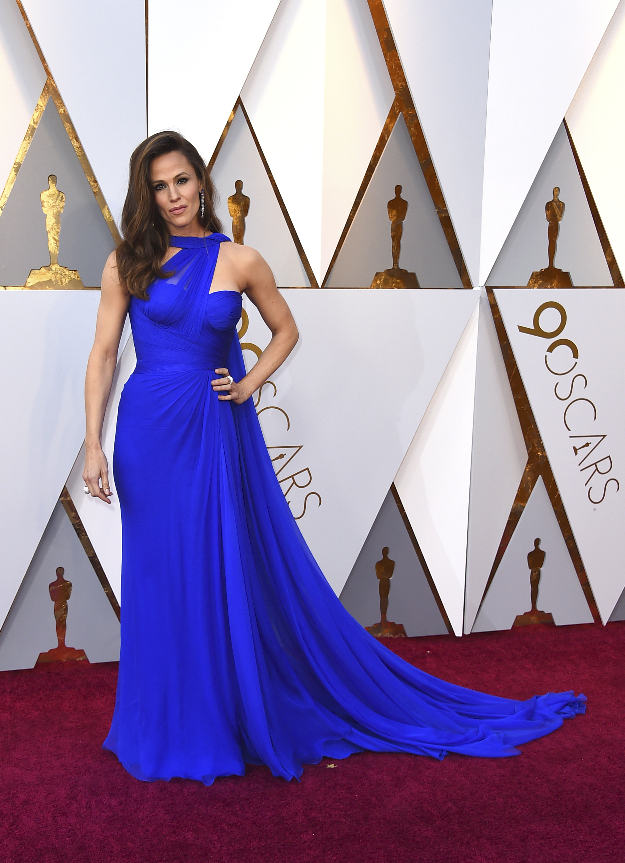 <div class='meta'><div class='origin-logo' data-origin='none'></div><span class='caption-text' data-credit='Jordan Strauss/Invision/AP'>Jennifer Garner arrives at the Oscars on Sunday, March 4, 2018, at the Dolby Theatre in Los Angeles.</span></div>
