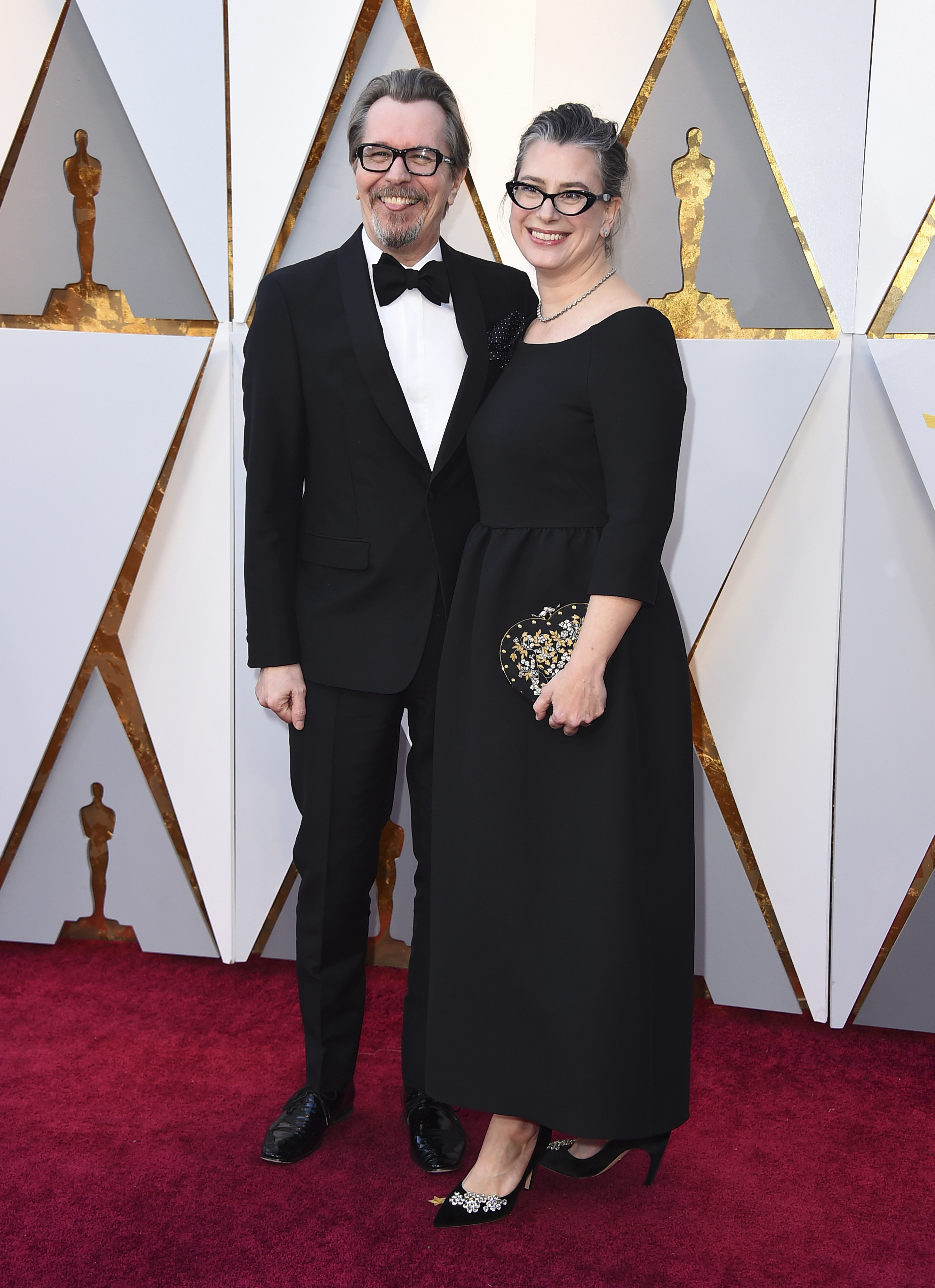 "<div class=""meta image-caption""><div class=""origin-logo origin-image none""><span>none</span></div><span class=""caption-text"">Gary Oldman (nominated for Best Actor for ''Darkest Hour'') and Gisele Schmidt arrive at the Oscars. (Jordan Strauss/Invision/AP)</span></div>"