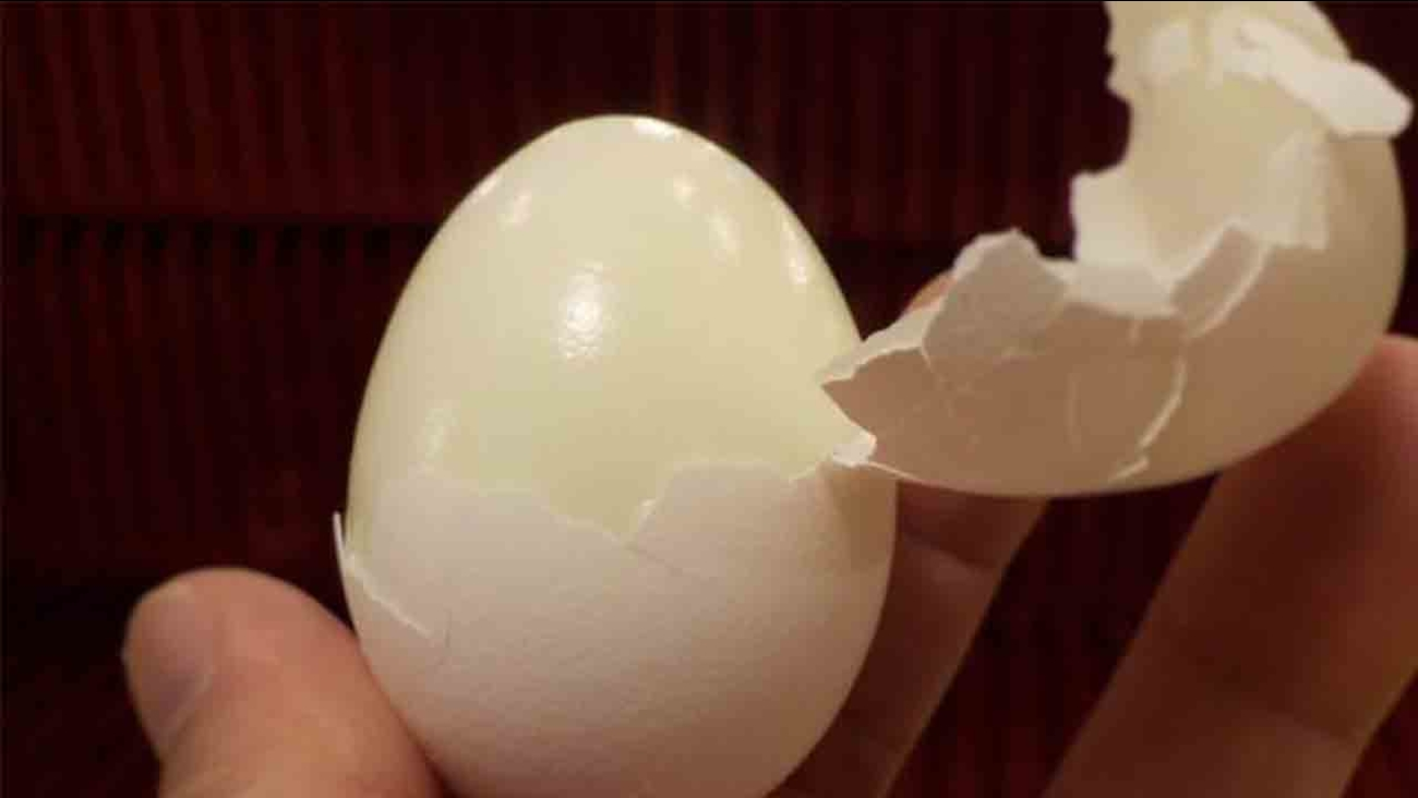 Easy peel hard boiled egg