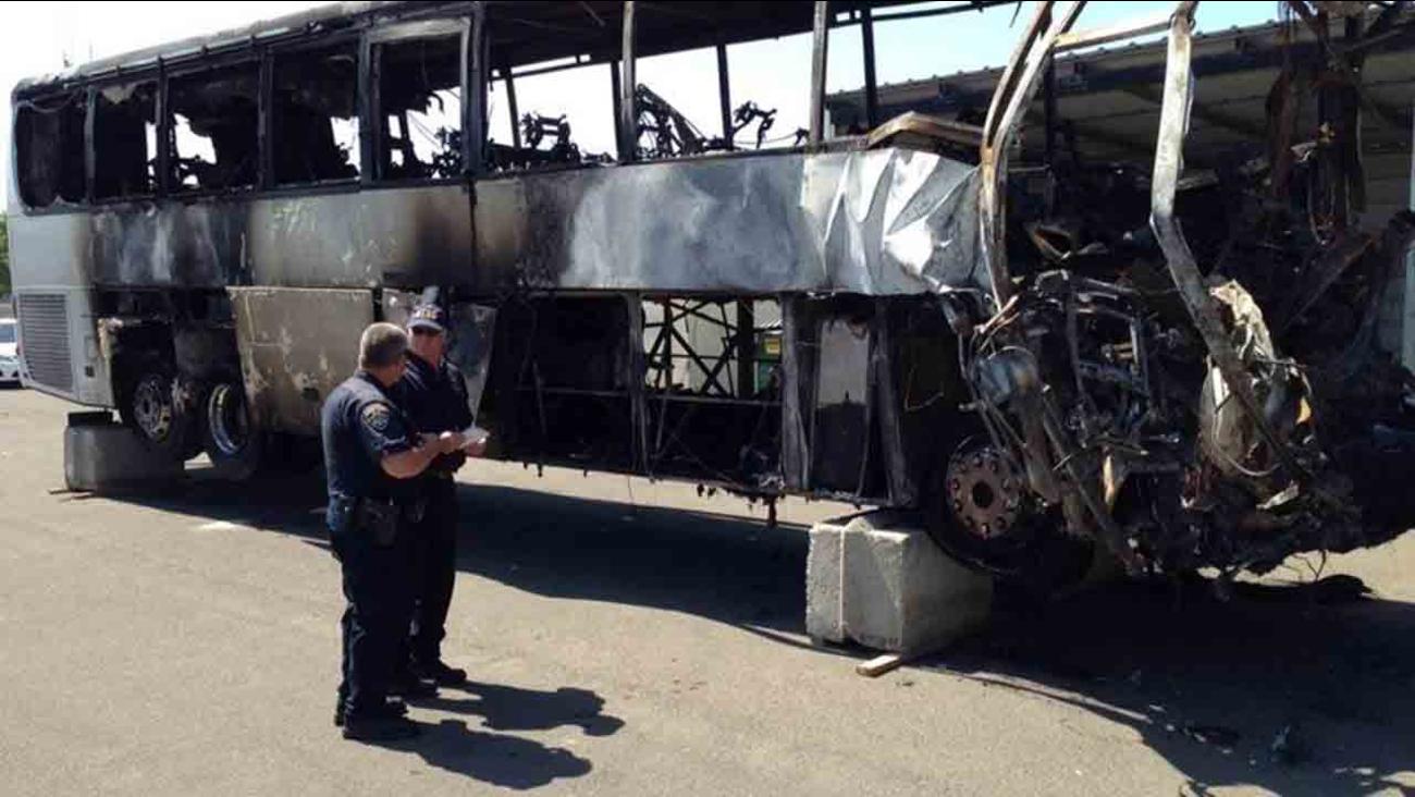 Bus crash: FedEx semi didn't brake before hitting bus   abc7 com