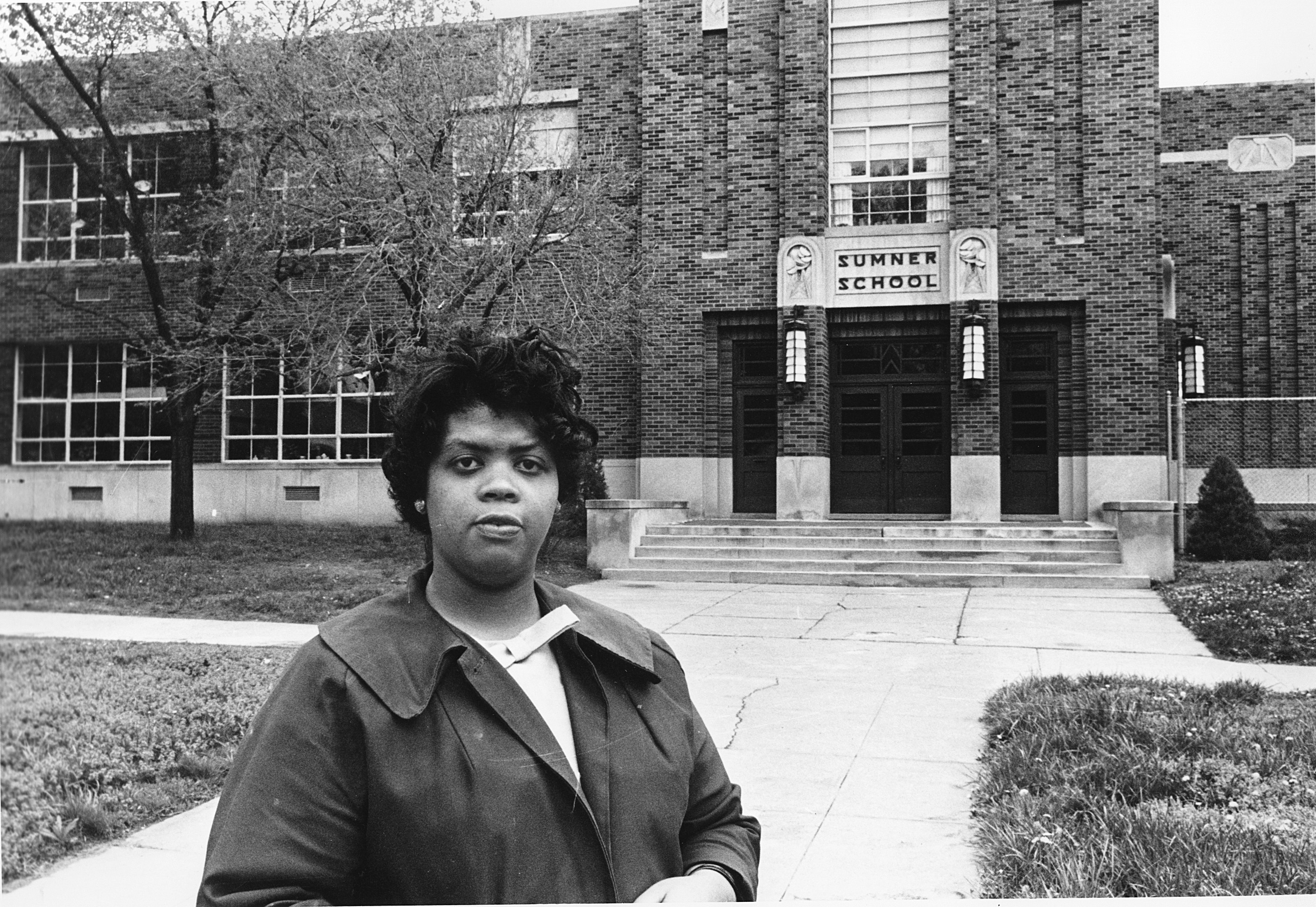 "<div class=""meta image-caption""><div class=""origin-logo origin-image none""><span>none</span></div><span class=""caption-text"">Linda Brown Smith, who as a young girl was at the center of the Brown v. Board of Education of Topeka, Kansas court case, has died. She was 76. (AP)</span></div>"