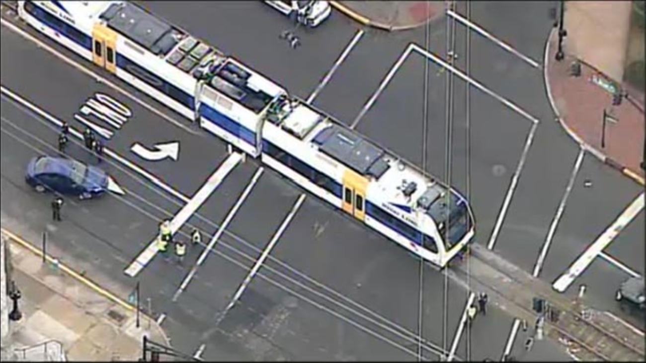 Car Hit By Riverline Train In Burlington New Jersey 6abc