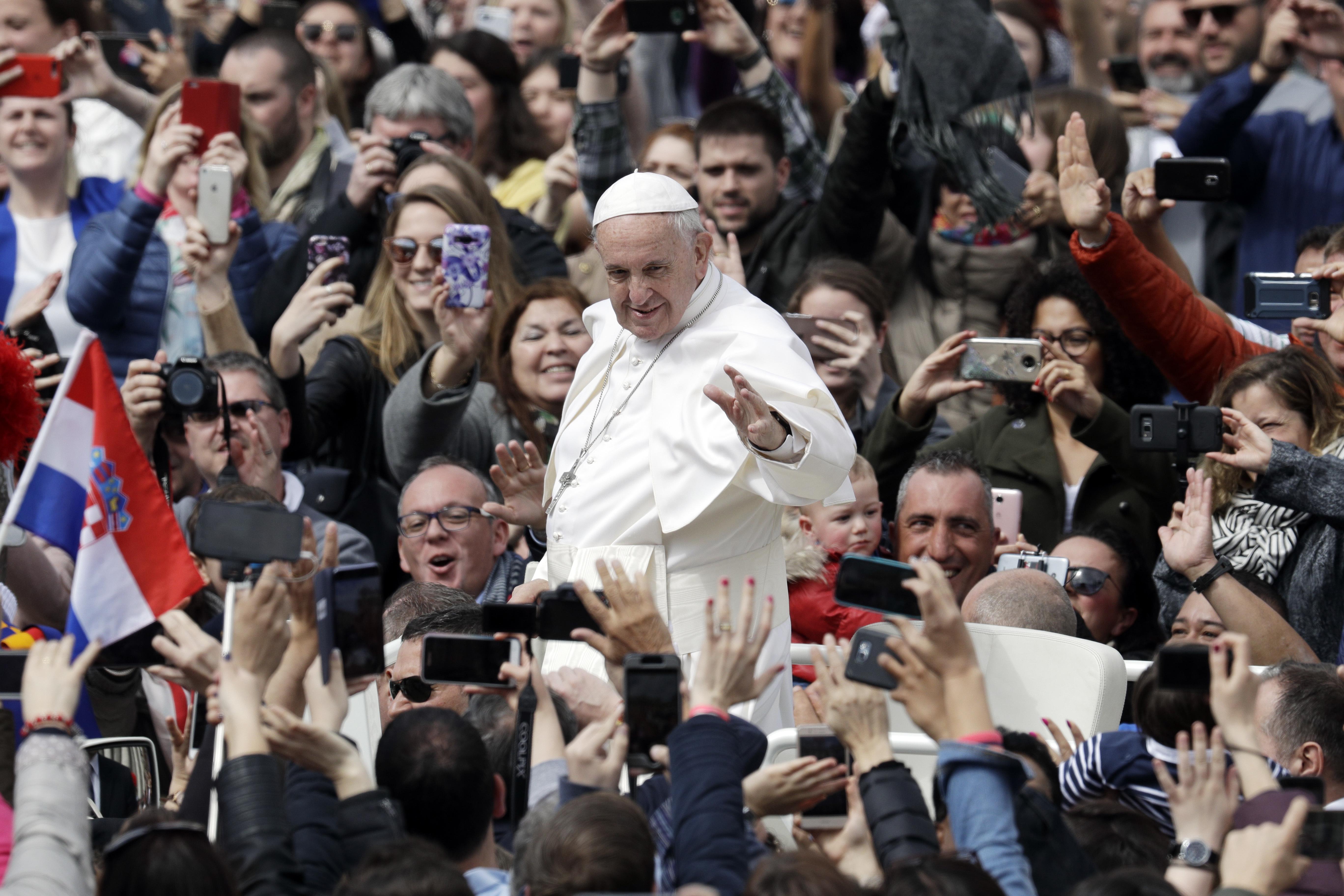 """<div class=""""meta image-caption""""><div class=""""origin-logo origin-image ap""""><span>AP</span></div><span class=""""caption-text"""">Vatican City (AP)</span></div>"""