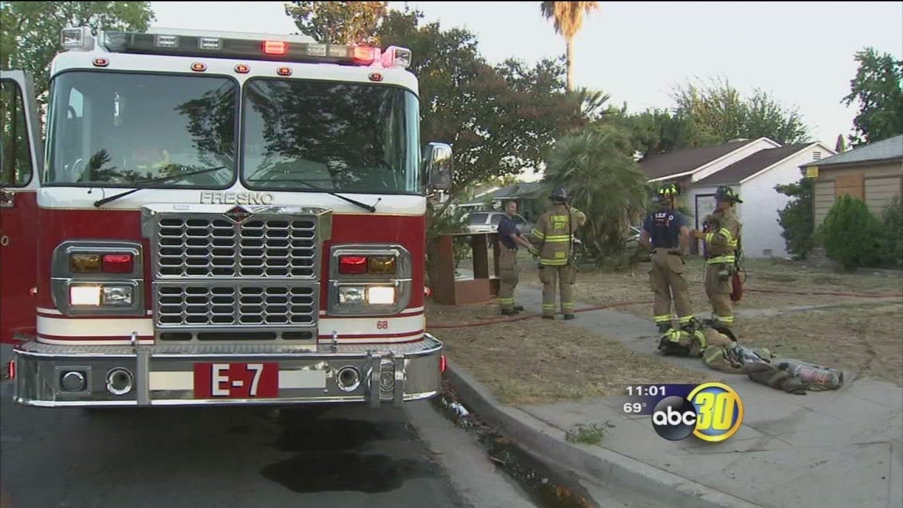 Authorities investigate two house fires in Southeast Fresno