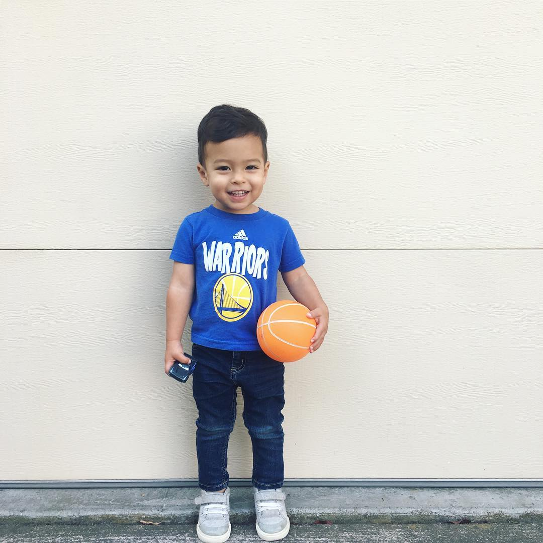 <div class='meta'><div class='origin-logo' data-origin='none'></div><span class='caption-text' data-credit='mei_jenks/Instagram'>Dub Nation, show us what you got! Share your Warriors fan pics with #abc7now to appear in this gallery, on air, or on our other social media platforms.</span></div>