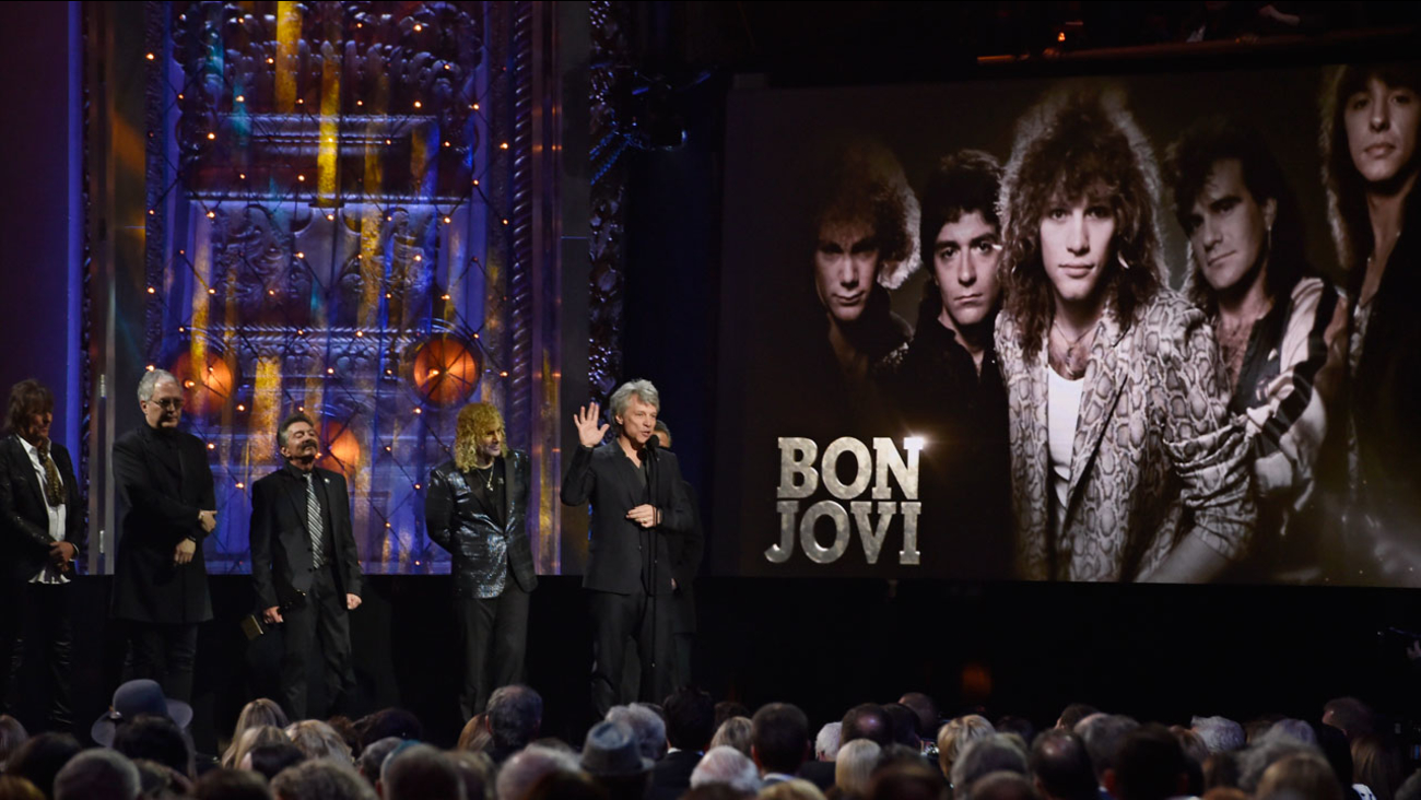 Jon Bon Jovi speaks during the Rock and Roll Hall of Fame Induction ceremony, Saturday, April 14, 2018, in Cleveland.