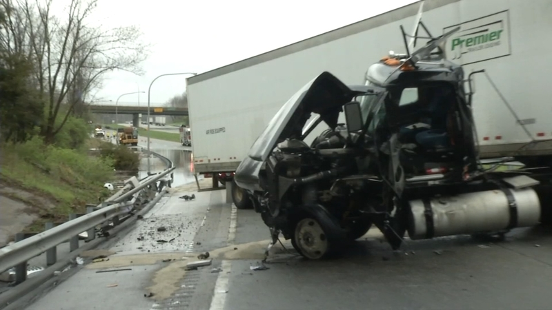 Tractor trailer crash shuts down portion of I-95