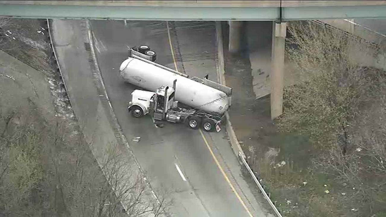 I-95 SB, I-476 SB to I-95 NB reopen in Delco after tanker crash | 6abc.com