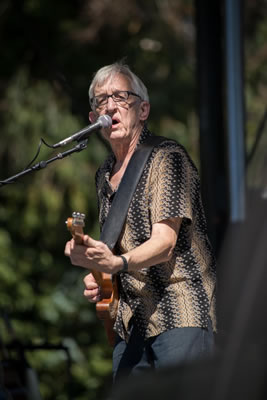 """<div class=""""meta image-caption""""><div class=""""origin-logo origin-image """"><span></span></div><span class=""""caption-text"""">Bill Kirchen & Too Much perform at the 2014 Hardly Strictly Bluegrass music festival. (Wayne Freedman)</span></div>"""