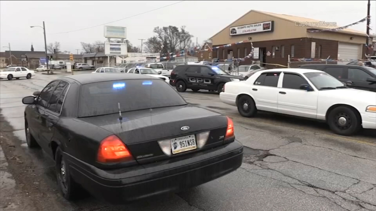 Man, 30, shot to death in Gary during reported attempted robbery