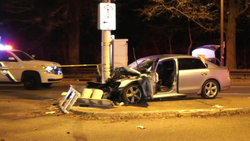 Driver killed after crashing into traffic light in Southwest Philadelphia
