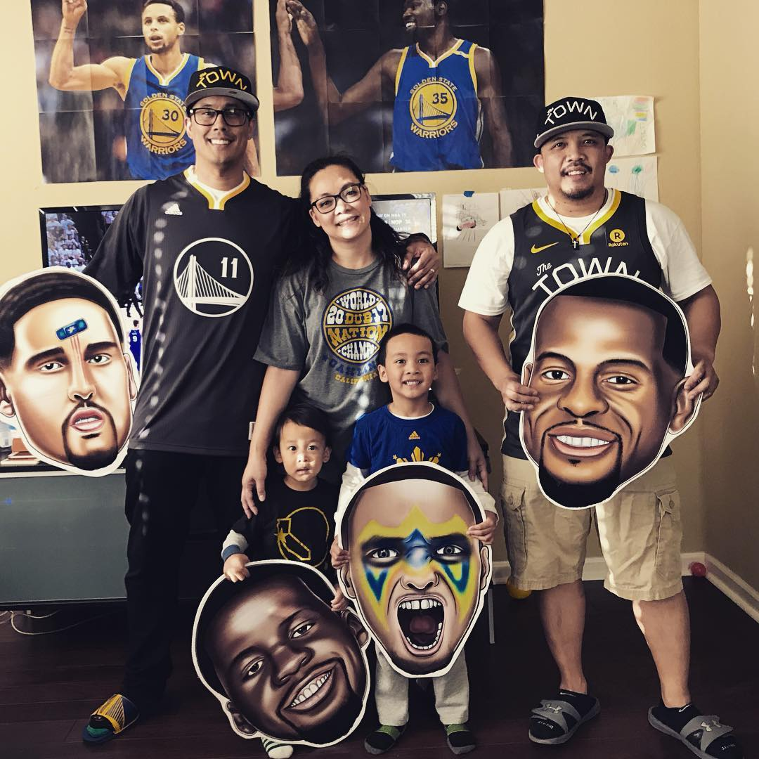 <div class='meta'><div class='origin-logo' data-origin='none'></div><span class='caption-text' data-credit='Photo submitted to KGO-TV by @cysup/Twitter'>Warriors fans show their spirit during the 2017-2018 season. Share your photos using #DubsOn7 and you may see them online or on TV!</span></div>