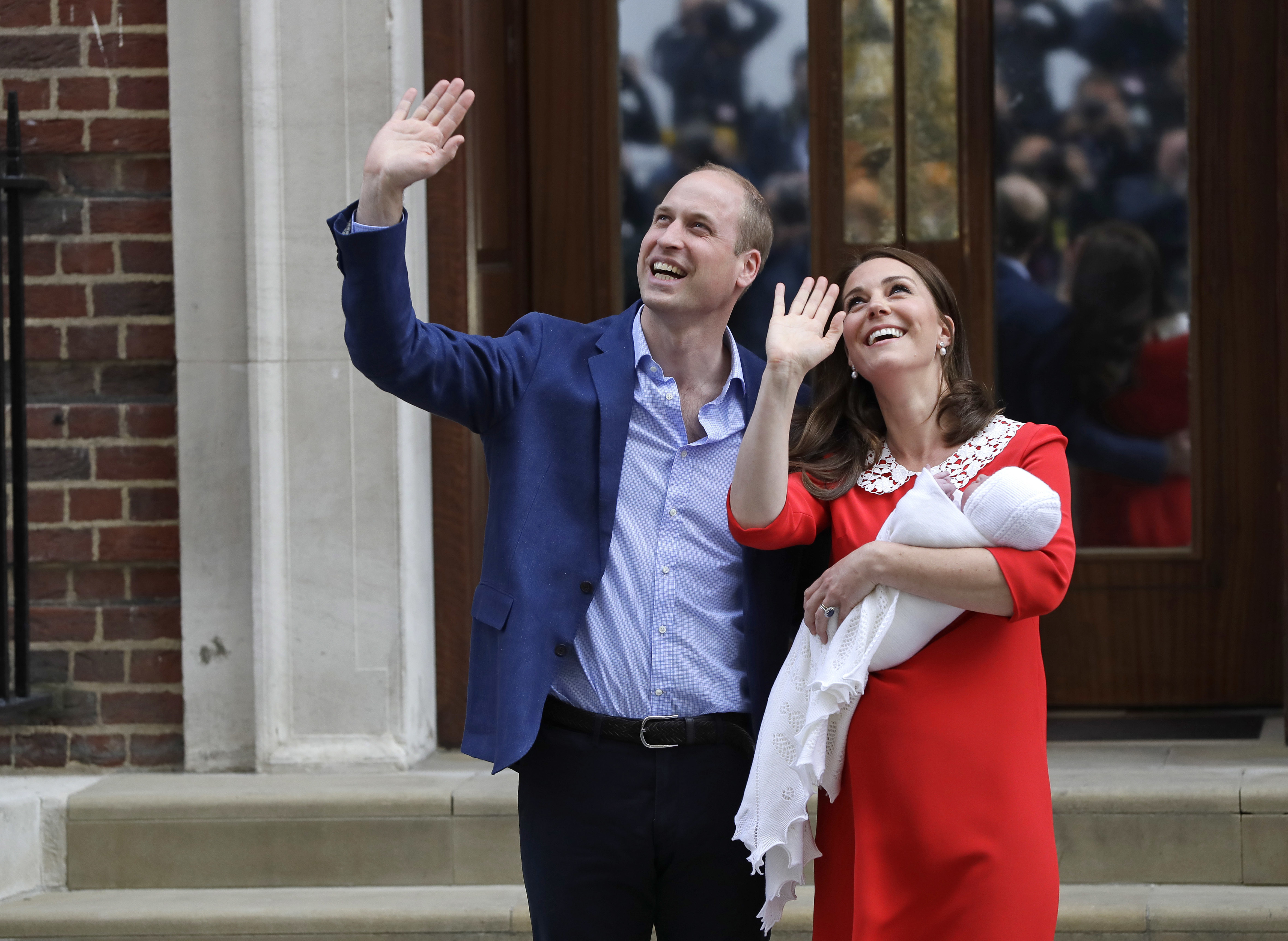 "<div class=""meta image-caption""><div class=""origin-logo origin-image none""><span>none</span></div><span class=""caption-text"">Prince William and Kate, Duchess of Cambridge wave holding their newborn baby son as they leave the Lindo wing at St Mary's Hospital in London London, Monday, April 23, 2018. (Kirsty Wigglesworth/AP Photo)</span></div>"