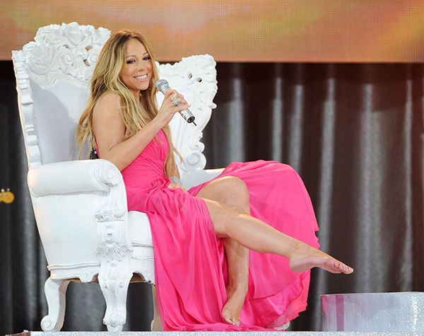 <div class='meta'><div class='origin-logo' data-origin='none'></div><span class='caption-text' data-credit='AP'>Singer Mariah Carey performs on ABC's &#34;Good Morning America&#34; in Central Park on Friday, May 24, 2013 in New York.</span></div>