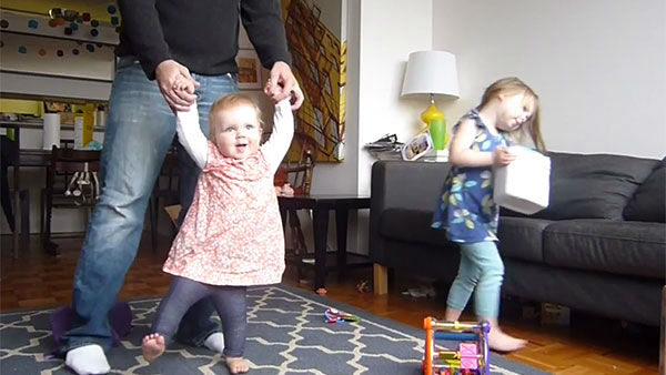 Little girl learns to walk in charming time-lapse ...