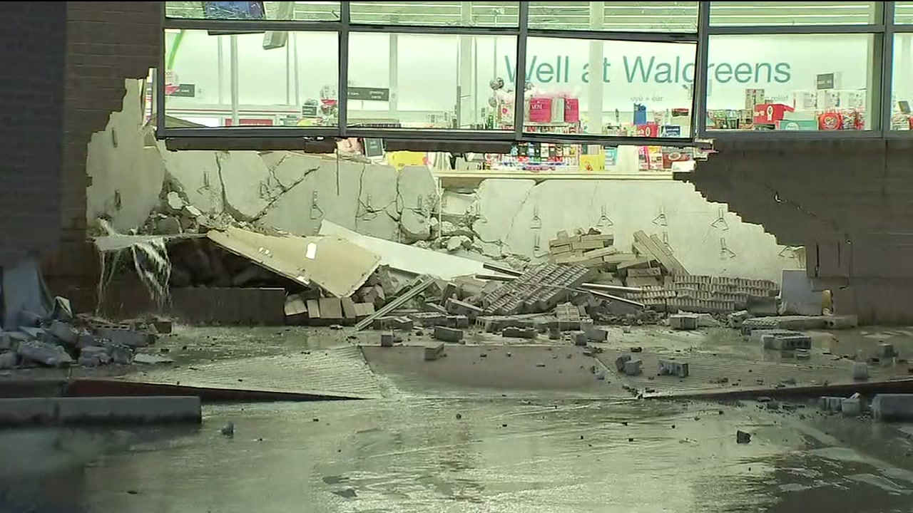 Water Gushing From Walgreens After Thieves Smash Truck Into Store In