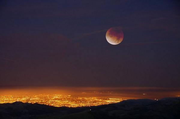 Photos sent via uReport of the blood moon lunar eclipse ...