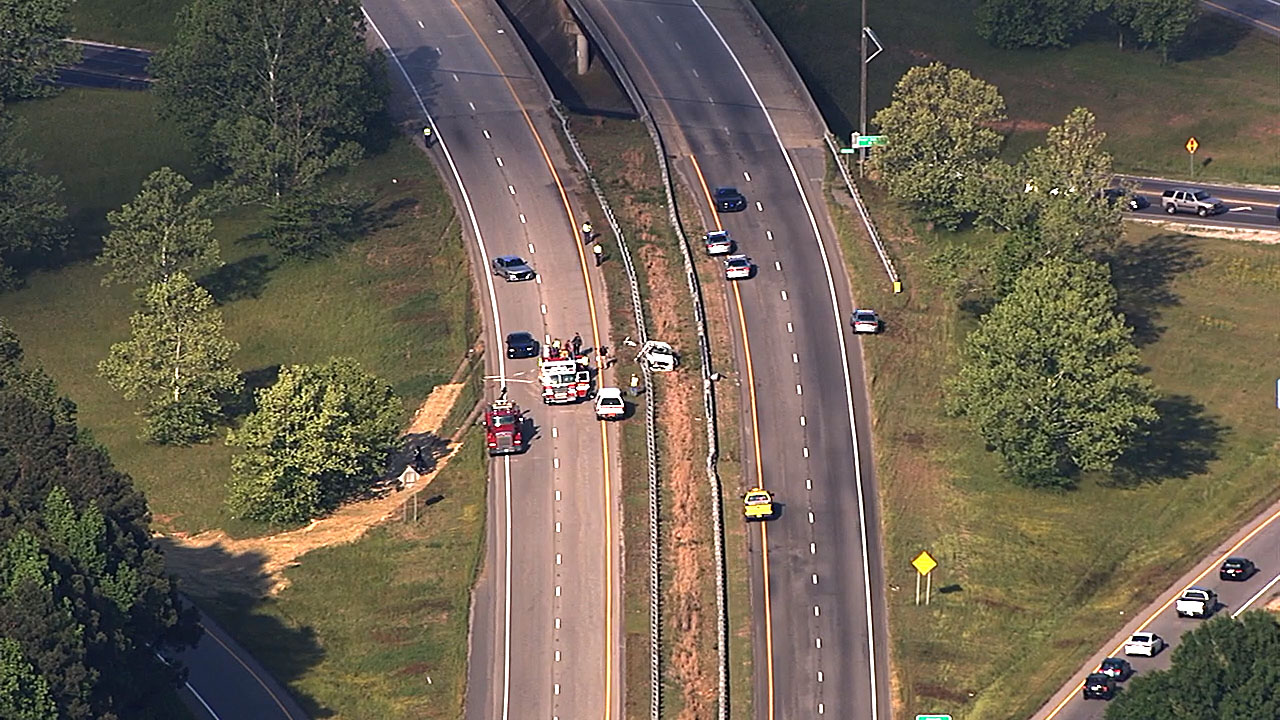 One killed in crash that closed US 64 in Nash County | abc11 com