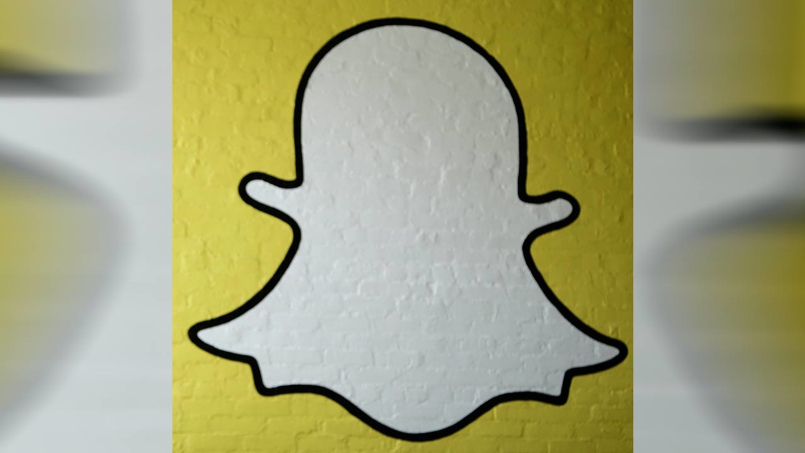 Hackers Claim To Have 100,000 Nude Snapchat Photos To Leak -8294